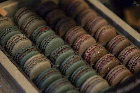 Bolka Bonbon: whiskey–juharszirup és füge–kecskesajt–bazsalikom ízesítésű macaronok